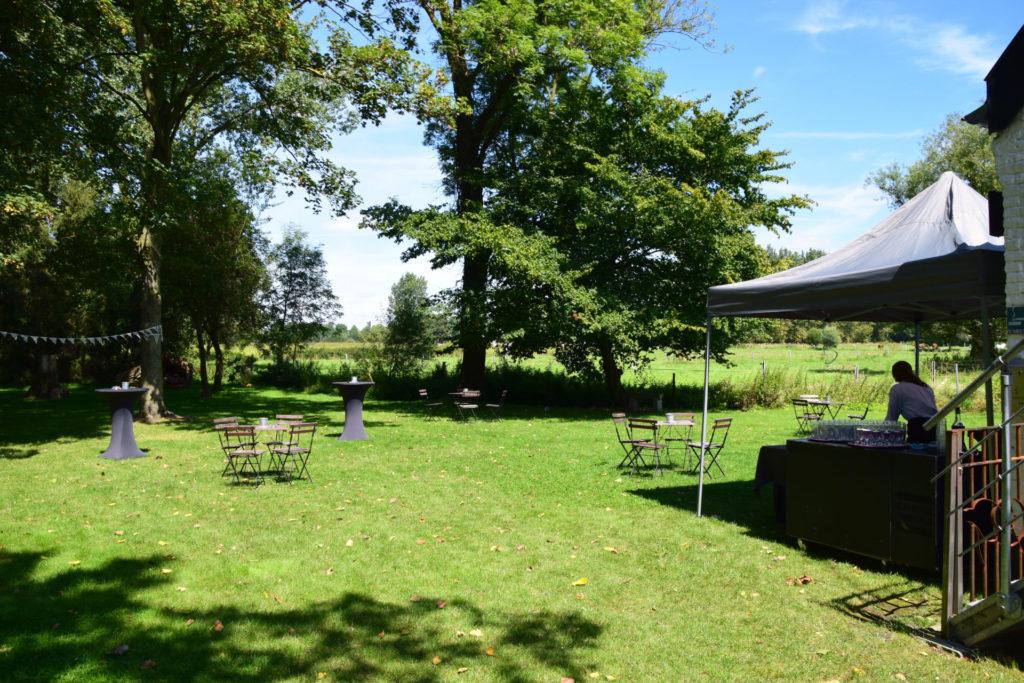 Bar au jardin